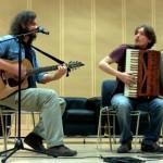 Sergio Marchesini e Giorgio Gobbo della Piccola Bottega Baltazar hanno suonato alcuni pezzi per introdurre la premiazione al MART
